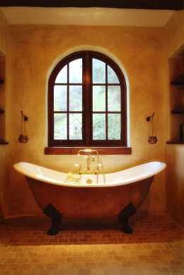 Bathtub Window 260×389